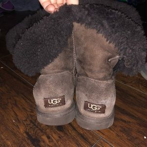 Brown Bailey button size 9 uggs